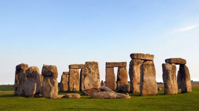 A temporary coach park will be built near to Stonehenge, Wiltshire Council has agreed