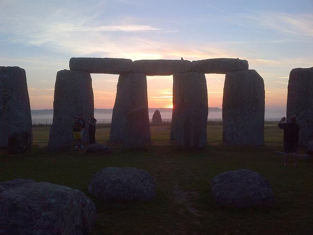 Stonehenge inner circel tours sunrise