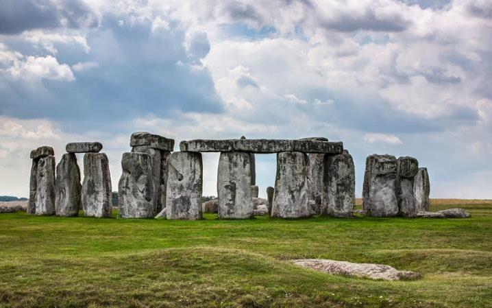 unesco-stonehenge_3293166a-large-large_trans2oueflmhzzhjcyuvn_gr-bvmxc2g6irfbtwdjolshwg